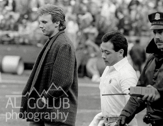 San Francisco 49ers vs Atlanta Falcons  at Candlestick Park Sunday, December 20, 1987..49ers beat Falcons 35-7.San Francisco 49ers Quarterback Joe Montana (16) on the sidelines because of injury...