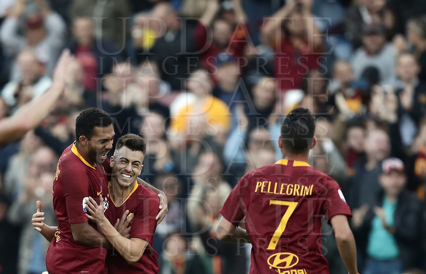 Football, Serie A: AS Roma - Sampdoria, Olympic stadium, Rome, November 11, 2018. <br /> Roma's Stephan El Shaarawy (c) celebrates after scoring with his teammates Juan Jesus (l) and Lorenzo Pellegrini (r) during the Italian Serie A football match between Roma and Sampdoria at Rome's Olympic stadium, on November 11, 2018.<br /> UPDATE IMAGES PRESS/Isabella Bonotto