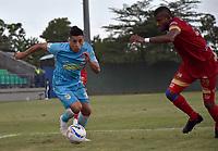 MONTERÍA - COLOMBIA ,04-11-2018: Cleider Alzate  (Izq.) jugador de Jaguares de Córdoba disputa el balón con Carlos Ramirez(Der.) jugador del Rionegro durante partido por la fecha 18 de la Liga Águila II 2018 jugado en el estadio Municipal Jaraguay de Montería . / Cleider Alzate (L) player of Jaguares of Cordoba fights for the ball with Carlos Ramirez(R) player of Rionegro  during the match for the date 18 of the Liga Aguila II 2018 played at Municipal Jaraguay Satdium in Monteria City . Photo: VizzorImage /Andrés Felipe López  / Contribuidor.