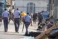S&Atilde;O PAULO, SP, 03/01/2012, OPERA&Ccedil;&Atilde;O POLICIAL NA CRACOLANDIA.<br />   <br />  A Policia Militar fez na manh&atilde; de hoje (03) uma opera&ccedil;&atilde;o na regi&atilde;o da &quot;cracol&acirc;ndia&quot; para desalojar os viciado que montaram v&aacute;rias barracas na Rua Helvetia.<br />  Al&eacute;m do mal cheiro, muito lixo ocupam a cal&ccedil;adas e parte da rua, impedindo a passagem de carros e pedestres.<br />  N&atilde;o houve resistencia e os viciados se espalharam por outras ruas.<br /> <br />  Luiz Guarnieri/ News Free.