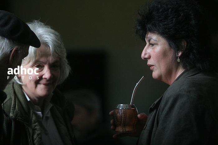 Lucia Topolansky e Ivonne Passada. Montevideo, 2007.<br /> URUGUAY / MONTEVIDEO / <br /> Foto: Ricardo Ant&uacute;nez / AdhocFotos<br /> www.adhocfotos.com