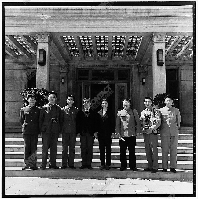 Li (second from left) and other journalists pose with Prince  Norodom Sihanouk and his wife, Queen Norodom Monineath (center), in front of Garden Village, Harbin's official residence for foreign dignitaries (photograph by Hu Wei). 26 May 1972
