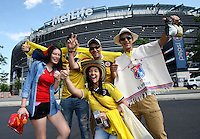 NEW JERSEY - UNITED STATES, 17-06-2016: Hinchas de Colombia animan a su equipo previo al partido por los cuartos de final entre Colombia (COL) y Peru (PER)  por la Copa América Centenario USA 2016 jugado en el estadio MetLife en Nueva Jersey, USA. /  Fans of Colombia cheer their team prior the match for the quarter of finals between Colombia (COL) and Peru (PER) for the Copa América Centenario USA 2016 played at MetLife stadium in New Jersey, USA. Photo: VizzorImage/ Luis Alvarez /Cont.