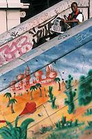 Europe/France/Provence-Alpes-Côte d'Azur/13/Bouches-du-Rhône/Marseille: Quartier du Panier - Détail mur peint- des oasis de rève comme les gains du tiercé