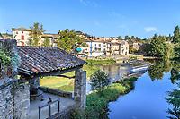 France, Tarn,  Saint Martin Laguepie, mill on Viaur river and view on the village of  Laguepie // France, Tarn (81), Saint-Martin-Laguépie, moulin sur le Viaur et vue sur le village de Laguépie