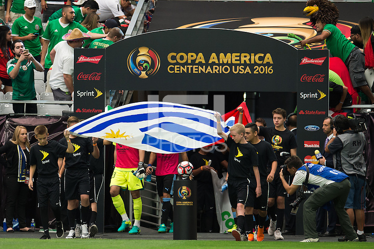 Action photo during the match Mexico vs Uruguay, Corresponding Group -C- America Cup Centenary 2016, at University of Phoenix Stadium<br /> <br /> Foto de accion durante el partido Mexico vs Uruguay, Correspondiante al Grupo -C-  de la Copa America Centenario USA 2016 en el Estadio de la Universidad de Phoenix, en la foto: Bandera de Uruguay<br /> <br /> <br /> 05/06/2016/MEXSPORT/Jorge Martinez.