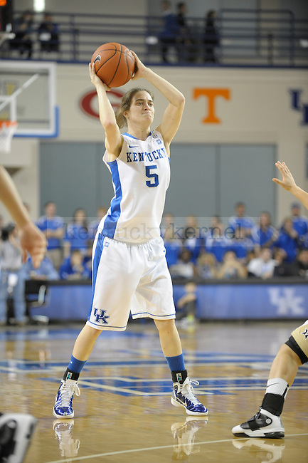 UK's Carly Morrow passes the ball during the University of Kentucky Women's basketball game against Vanderbilt at Memorial Coliseum in Lexington, Ky., on 1/23/11. Uk led the game at half 37-22. Photo by Mike Weaver | Staff