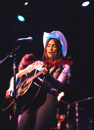 Emmylou Harris .© Chris Walter.