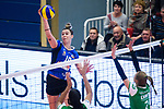 18.11.2018, Halle Berg Fidel, Muenster<br />Volleyball, Bundesliga Frauen, Normalrunde, USC MŸnster / Muenster vs. VfB Suhl Lotto ThŸringen / Thueringen<br /><br />Angriff Maiara Basso (#10 Suhl) - Block / Doppelblock Kazmiere Telonna Brown (#10 Muenster), Mareike Hindriksen (#2 Muenster)<br /><br />  Foto &copy; nordphoto / Kurth