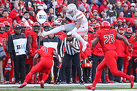 College Park, MD - November 12, 2016: Ohio State Buckeyes tight end Marcus Baugh (85) leaps a Maryland Terrapins defender during game between Ohio St. and Maryland at  Capital One Field at Maryland Stadium in College Park, MD.  (Photo by Elliott Brown/Media Images International)