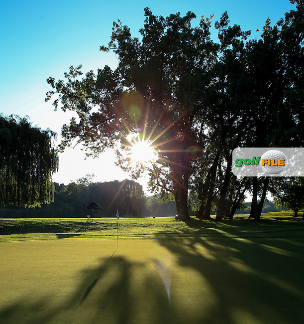Glorious sunshine before Round Three of the 2016 BMW SA Open hosted by City of Ekurhuleni, played at the Glendower Golf Club, Gauteng, Johannesburg, South Africa.  09/01/2016. Picture: Golffile | David Lloyd<br /> <br /> All photos usage must carry mandatory copyright credit (&copy; Golffile | David Lloyd)