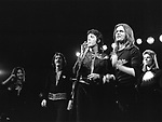 Wings 1973 Denny Laine, Denny eiwell, Paul McCartney, Henry McCullough and Linda McCartney.© Chris Walter.
