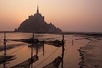 Europe/France/Normandie/Basse-Normandie/50/Manche: La baie et le Mont Saint-Michel au soleil levant