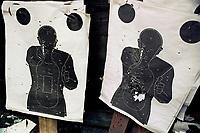 poligono di tiro, armi leggere, industria armi, pistola, sparare,