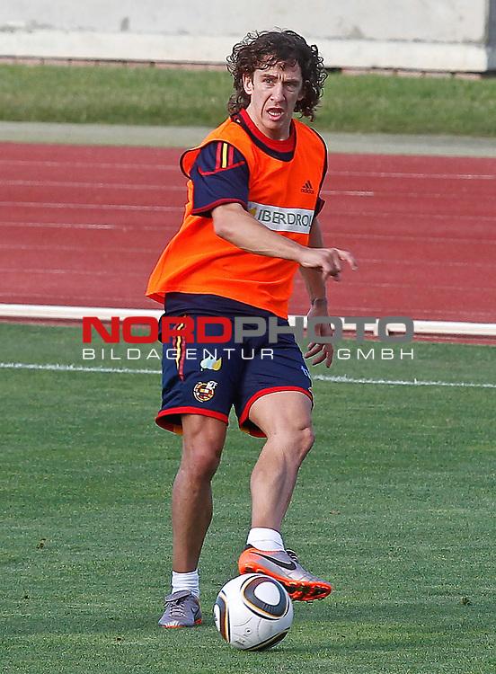 Spain's Carles Puyol during training session.June 10, 2010. (Foto &copy; nph/Acero) *** Local Caption *** Fotos sind ohne vorherigen schriftliche Zustimmung ausschliesslich f&uuml;r redaktionelle Publikationszwecke zu verwenden.<br /> <br /> Auf Anfrage in hoeherer Qualitaet/Aufloesung