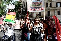 """Roma, 22 Giugno 2019<br /> Migliaia di persone partecipano alla manifestazione chiamata """"Roma non si Chiude"""" per una città solidale contro gli sgomberi delle occupazioni abitative e sociali previste dal decreto sicurezza del ministro Matteo Salvini"""