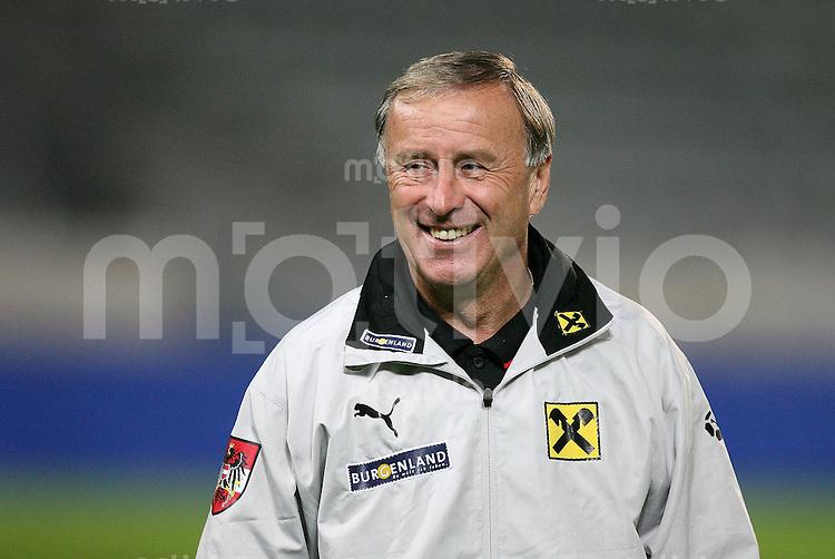 Fussball International  Training AUT Trainer Josef Hickersberger