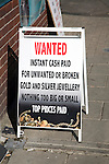 Sign offering to buy unwanted or broken gold, silver jewellery
