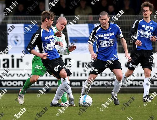 2009-03-22 / Voetbal / Rupel-Boom - Dessel Sport / Jeremy Aters (Rupel-Boom) met Bram Criel ..Foto: Maarten Straetemans (SMB)