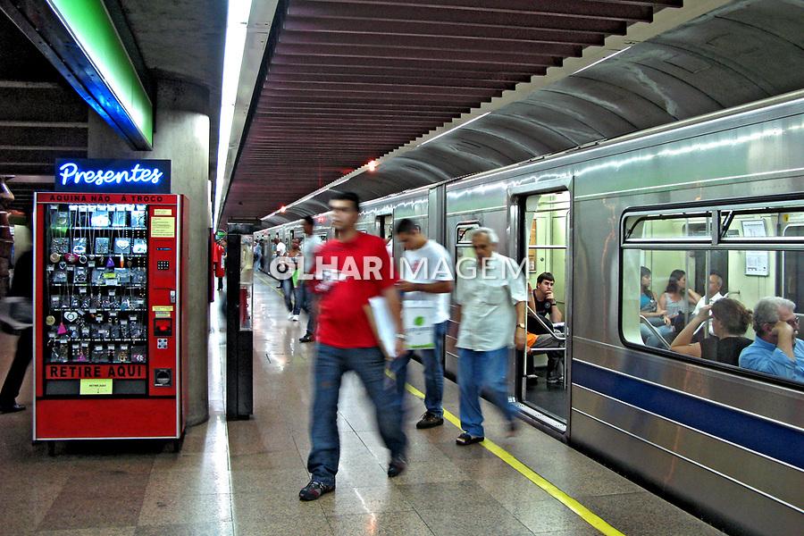 Estação do metro Paraíso. São Paulo. 2008. Foto de Juca Martins.