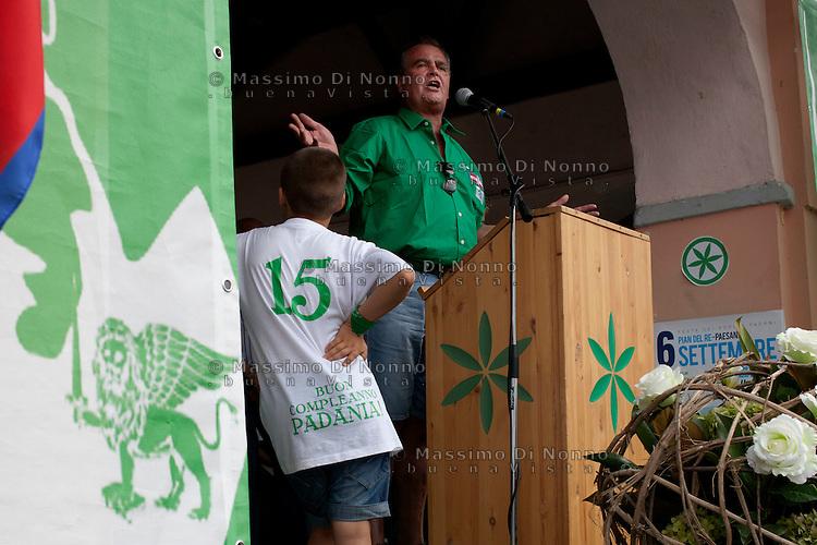 Paesana: lRoberto Calderoli partecipa a Paesana alla festa dei popoli padani organizzata dalla Lega Nord per il rito dell'ampolla alle sorgenti del Po.