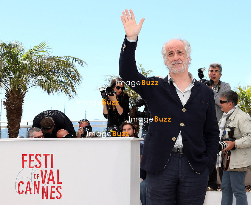 CPE/Actor Toni Servillo attend the 'La Grande Bellezza' Photocall during The 66th Annual Cannes Film Festival at the Palais des Festivals on May 21, 2013 in Cannes, France.
