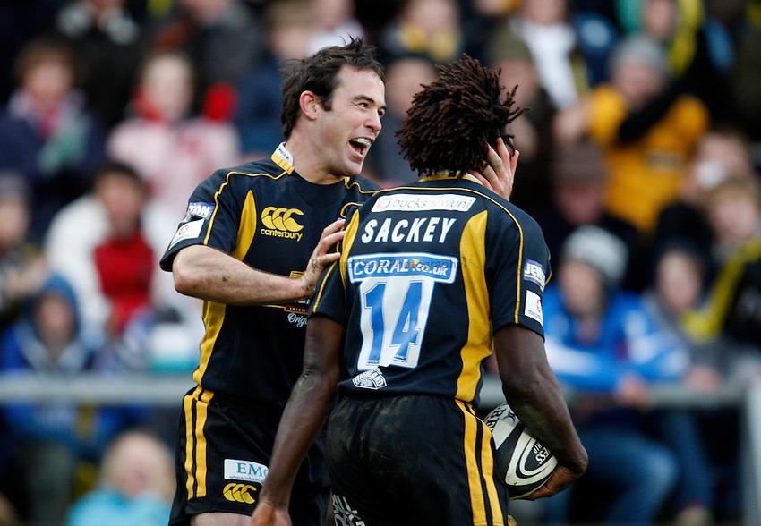 Photo: Richard Lane/Richard Lane Photography..London Wasps v Bath Rugby. Guinness Premiership. 29/12/2007. .Wasps' Fraser Waters celebrates with try scorer, Paul Sackey.
