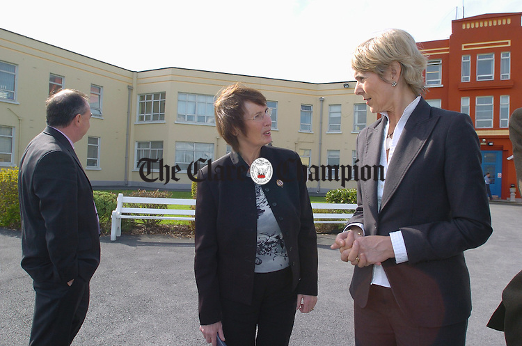 Minister Liz Mc Manus,  with   John Doyle, hospital administrator and  Barbara Madigan, assistant director of nursing, on a visit to Ennis General Hospital during her visit to Ennis. Photograph by John Kelly.