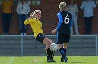 DVK Egem - Club Brugge Dames B :  Camille Godderis in duel met Marie Debruyne (r) <br /> Foto David Catry | VDB | Bart Vandenbroucke