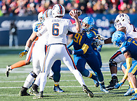 Annapolis, MD - DEC 28, 2017: Virginia Cavaliers quarterback Kurt Benkert (6) stands tall in the pocket pursued by Navy Midshipmen defensive end Tyler Sayles (91) during game between Virginia and Navy at the Military Bowl presented by Northrop Grunman at Navy-Marine Corps Memorial Stadium Annapolis, MD. (Photo by Phil Peters/Media Images International)