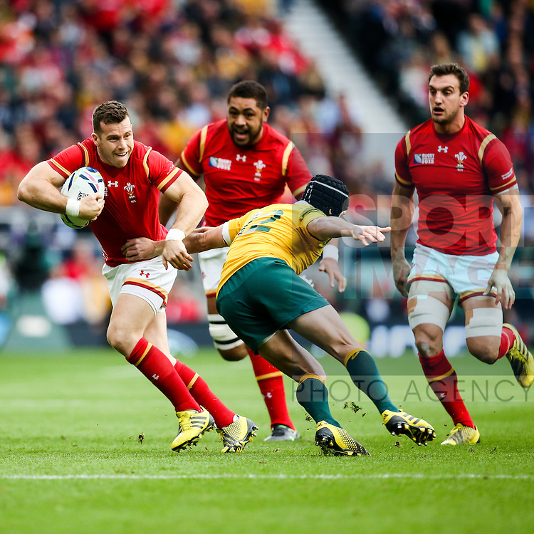 Wales' Gareth Davies - Rugby World Cup 2015 - Pool A - Australia v Wales - Twickenham Stadium - London- England - 10th October 2015 - Picture Charlie Forgham Bailey/Sportimage