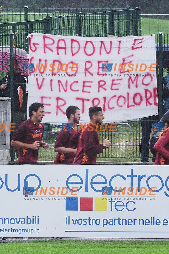 Striscione inerente all'allenamento tipico di Zeman..Riscone di Brunico (BZ) 13/07/2012 ..Football Calcio 2012/2013 ..Foto Insidefoto Christian Mantuano