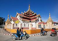 Myanmar, (Burma), Shan State, Kengtung: Maha Myatmuni Temple | Myanmar (Birma), Shan Staat, Kengtung: Maha Myatmuni Tempel