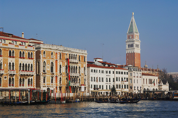 Bay of Venice and Palazzo Ducale di Venezia, Doge's Palace, Venice, Italy, Europe