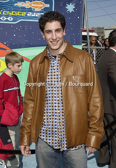 Jason Biggs - American Pie -  arriving at The 14th Annual Kids Choice Awards from NickelOdeon at the Barker Hangar in Santa Monica, Los Angeles  4/21/2001          -            BiggsJason05.jpg