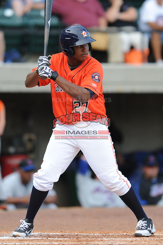 Greenville Astros second baseman Juan Santana #27 awaits a pitch during a game against the Kingsport Mets at Pioneer Park on August 4, 2013 in Greenville, Tennessee. The Astros won the game 17-1. (Tony Farlow/Four Seam Images)