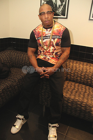 NEW YORK, NY - DECEMBER 18: Ja Rule backstage at BB Kings on December 18, 2013 in New York City. Credit: Walik Goshorn/MediaPunch Inc.