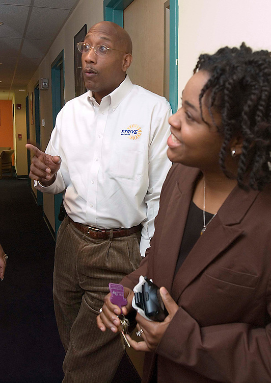 01/11/06.CENTER FOR FATHERS, FAMILIES, AND WORKFORCE DEVELOPMENT--President and CEO Joseph T. Jones, and Program Director Cassandra Codes-Johnson at the Center for Fathers, Families, and Workforce Development in Baltimore, Md..CONGRESSIONAL QUARTERLY PHOTO BY SCOTT J. FERRELL