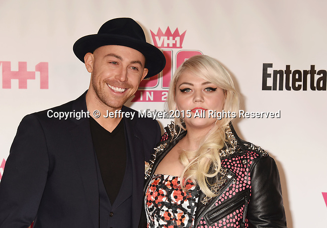 WEST HOLLYWOOD, CA - NOVEMBER 15: Singer Elle King (R) and guest attend VH1 Big In 2015 With Entertainment Weekly Awards at Pacific Design Center on November 15, 2015 in West Hollywood, California.