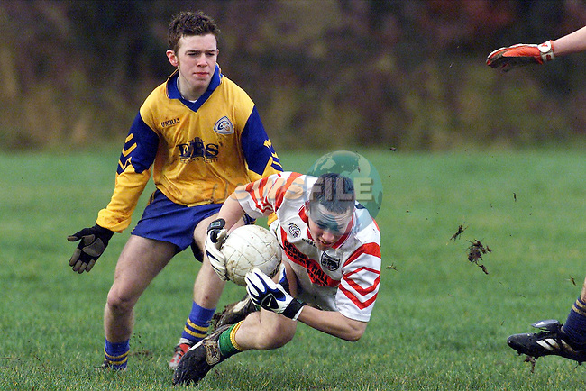 Edenderry's Shane Sullivan and St. Mary's Mark Whearty in action..Picture: Paul Mohan/Newsfile