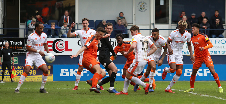 Blackpool's Matty Virtue scores his side's second goal to put them 2-1 ahead<br /> <br /> Photographer David Shipman/CameraSport<br /> <br /> The EFL Sky Bet League One - Luton Town v Blackpool - Saturday 6th April 2019 - Kenilworth Road - Luton<br /> <br /> World Copyright © 2019 CameraSport. All rights reserved. 43 Linden Ave. Countesthorpe. Leicester. England. LE8 5PG - Tel: +44 (0) 116 277 4147 - admin@camerasport.com - www.camerasport.com