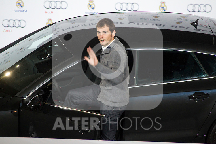 MADRID (08/11/2010).- Real Madrid players recieve new cars from Audi, team Sponsor. Iker Casillas...Photo: Cesar Cebolla / ALFAQUI