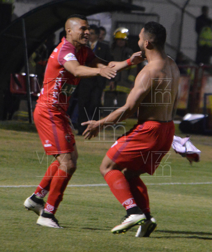 TUNJA - COLOMBIA - 15 - 02 - 2018: Los jugadores Patriotas F. C., celebran el gol anotado a Atletico Nacional, durante partido Patriotas FC y Atletico Nacional, de la fecha 3 por la Liga de Aguila I 2018 en el estadio La Independencia en la ciudad de Tunja. / The players of Patriotas F. C., celebrate a scored goal to Atletico Nacional, during a match between Patriotas F. C. and Atletico Nacional, of the date 2th for the Liga de Aguila I 2017 at La Independencia stadium in Tunja city. Photo: VizzorImage  /  Jose Miguel Palencia / Cont. (Mejor Calidad Disponible / Best Quality Available)