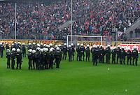 FUSSBALL   1. BUNDESLIGA  SAISON 2011/2012   34. Spieltag 1. FC Koeln - FC Bayern Muenchen        05.05.2012 Fans vom 1. FC Koeln wollen das Spielfeld stuermen  Polizei Einsatzkraefte koennen es verhindern