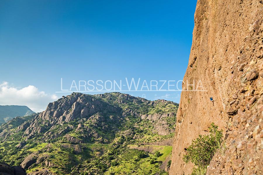 Las Chilcas - Des Plomelandia sector<br /> Armagedon 7c+; Climber: Carlos Lastra