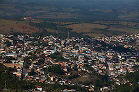 Pitangui_MG, Brasil...Vista panoramica de Pitangui, Minas Gerais...The Pitangui panoramic view, Minas Gerais...Foto: LEO DRUMOND / NITRO