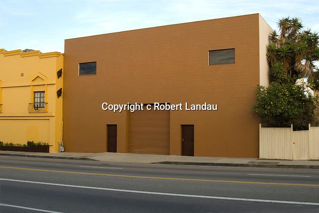 Brown building, Robertson Blvd., Los Angeles, 2012