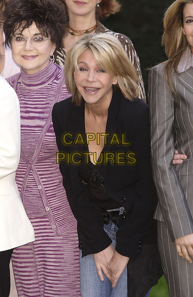 DR MIRIAM STOPPARD & LESLIE ASH.Tommy's Parent Friendly Awards at the Mandarin Oriental, Knightsbridge.31 March 2004.half length, half-length, black blazer.www.capitalpictures.com.sales@capitalpictures.com.©Capital Pictures