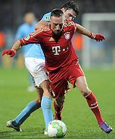 Fussball DFB Pokal:  Saison   2011/2012  Achtelfinale  20.12.2011 VfL Bochum - FC Bayern Muenchen  Franck Ribery (li, FC Bayern Muenchen) gegen Giovanni Federico (VfL Bochum)