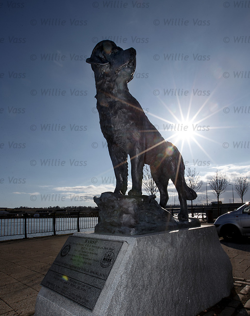 Bamse, the heroic life saving sea going dog immortalised in bronze at Montrose harbour. Bamse translates into English as Teddy Bear